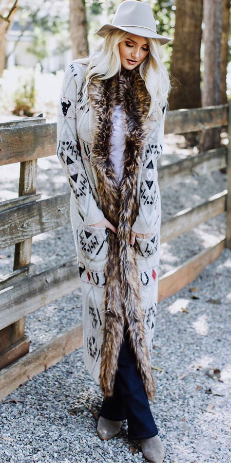 25 Best Extra Nice Winter Outfits to Wear Now.  winter outfits fashion winter styles winter fashion outfits winter wardrobe outfits winter leggings outfit #casual #casualstyle #casualoutfits #dresses