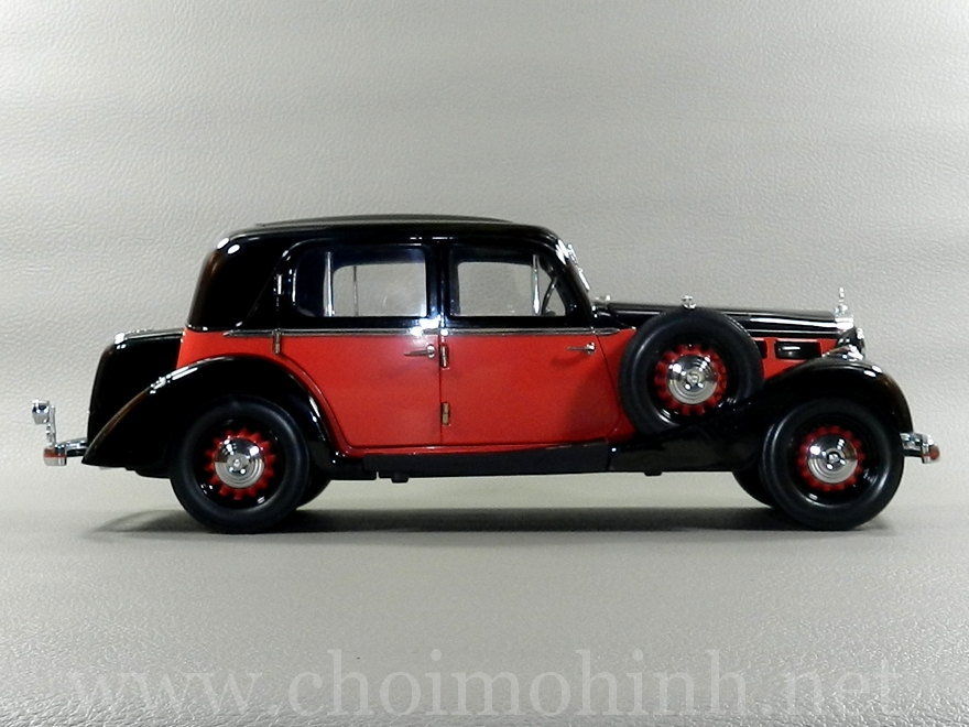 Maybach SW35 Hard Top 1935 1:18 Signature side