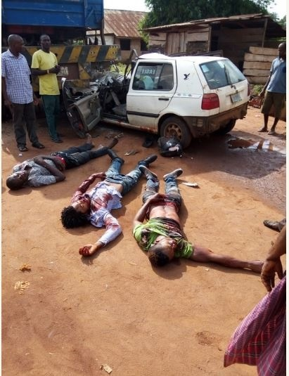 Fatal Accident Kills 4 Along Benin-Asaba Expressway in Delta State (Graphic Photos)