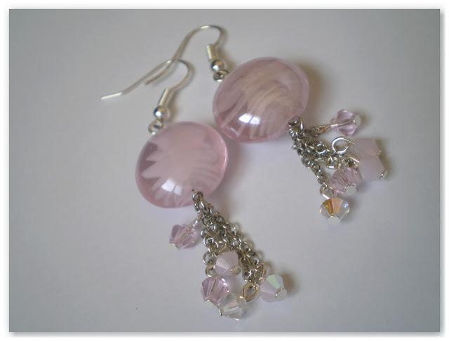 boucles d'oreilles rose laiteux