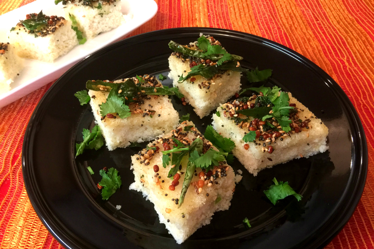 Harisha recipes rava dhokla recipe instant dhokla recipe we can make this rava dhokla instantly in a quick and easy way by steaming in a pressure cooker dhokla steamer or electric cooker works well for steaming forumfinder Image collections