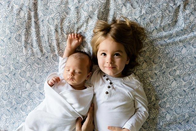 pertumbuhan bayi usia 2 bulan, perkembangan bayi usia 2 bulan, bayi usia 2 bulan, perkembangan bayi dua bulan, bayi