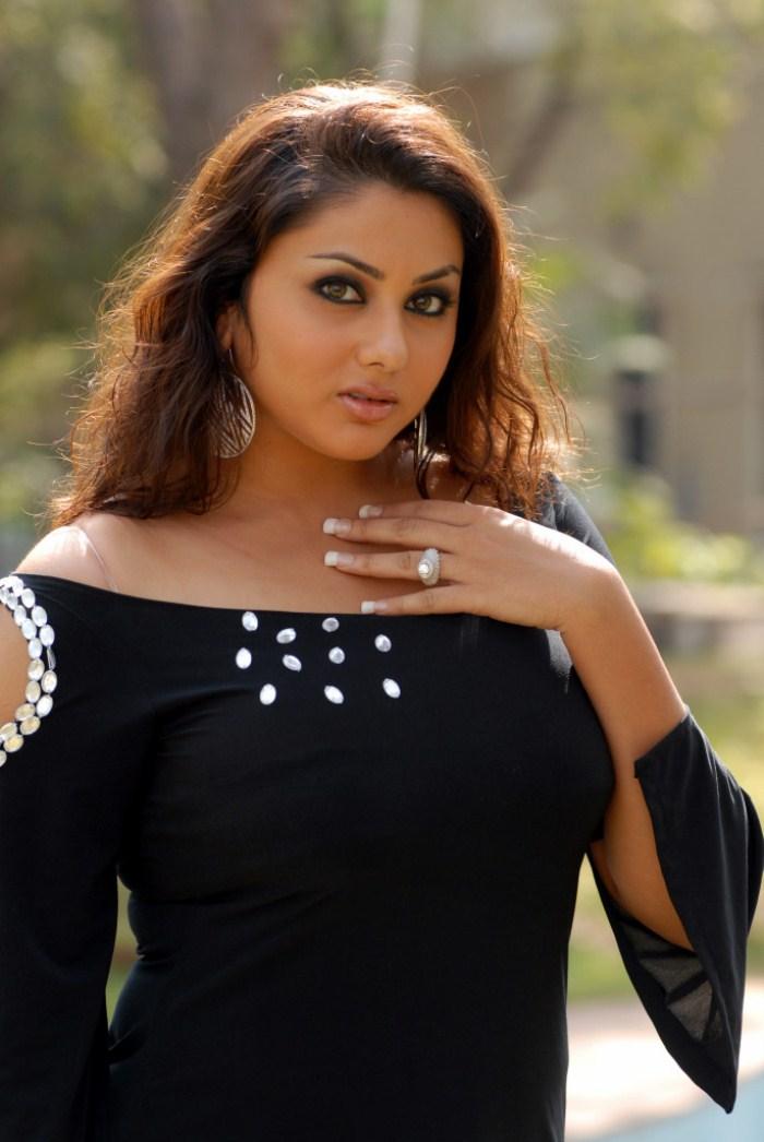 Namitha Hot Stills In Iddaru Monagallu - Photo 174 of 195
