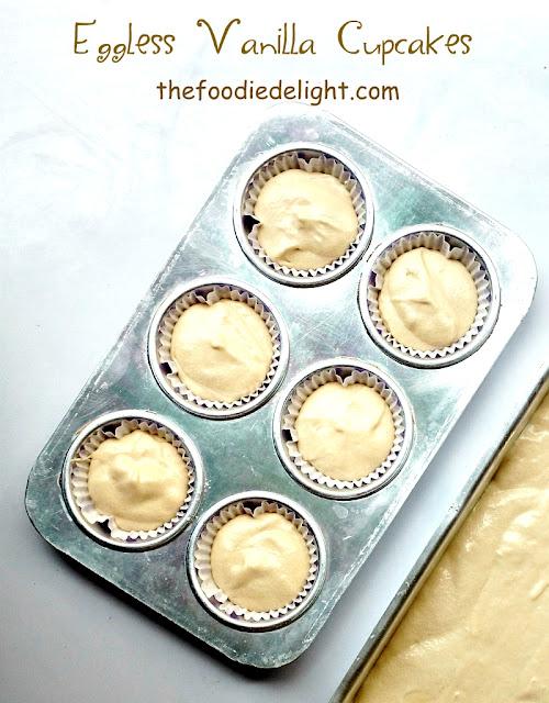 easy-eggless-vanilla-cupcakes-recipe