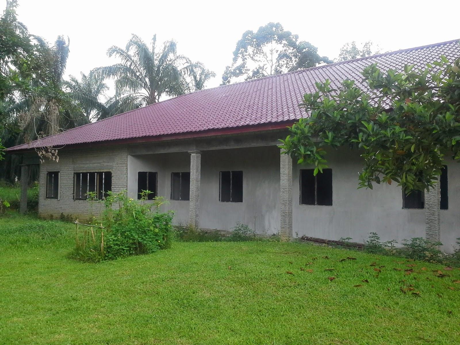 Membina Dan Menyiapkan Sebuah Rumah Di Kampung Batu 7 Block 3