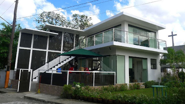 Rumah Mewah Untuk Almarhum