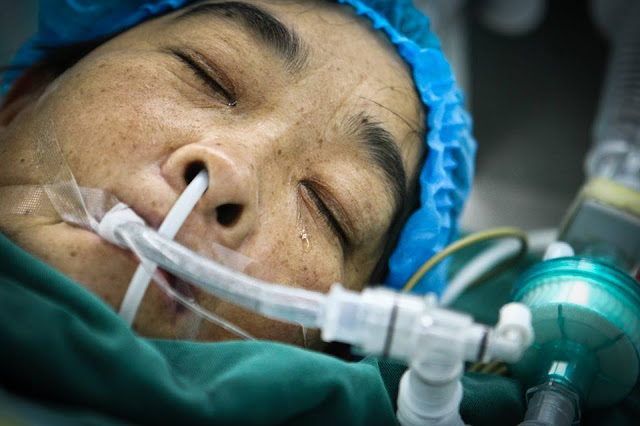 'Only Mom is the best' – Mother's sleeping tears during life-saving operation