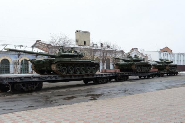 Російська армія отримала партію модернізованих танків Т-80БВМ