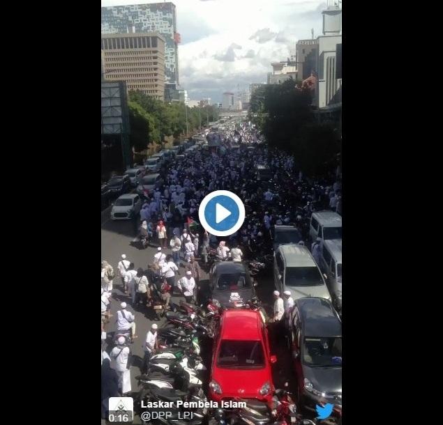 "Ribuan Massa GNPF-MUI Lakukan ""Aksi Simpatik Menjaga Independensi Hakim"" di PN Jakarta Utara"