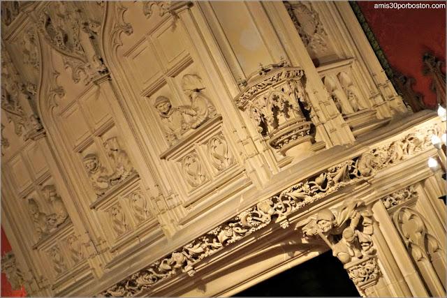 Chimenea del Salón Gótico de Marble House, Newport