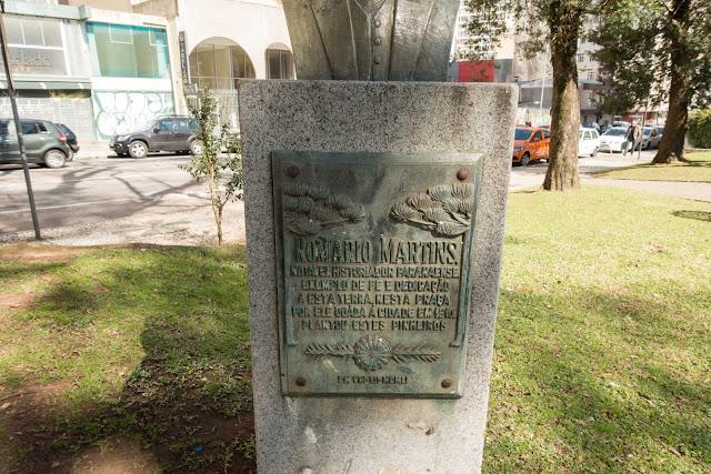 herma em homenagem a Alfredo Romário Martins