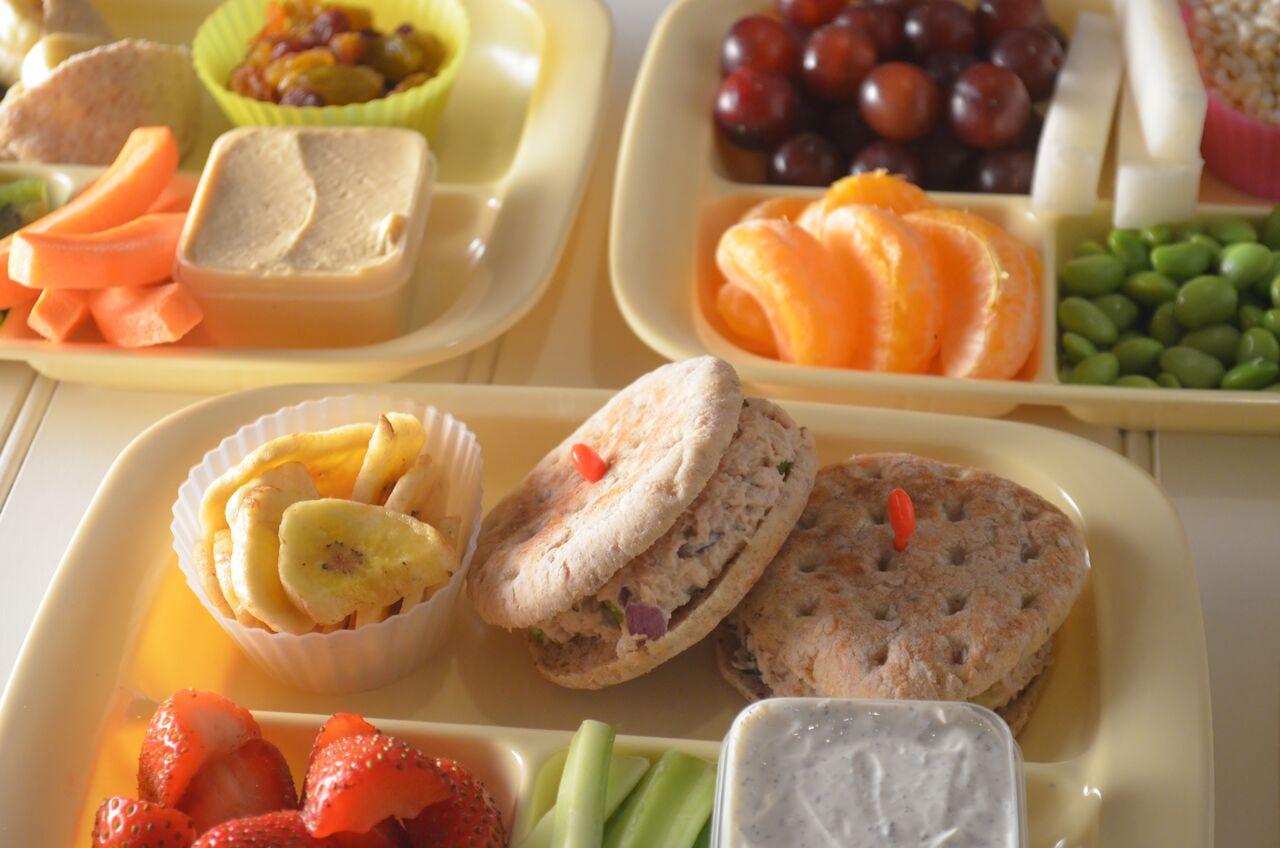 10 Ways To Encourage Your Kids To Eat Healthy At Lunch