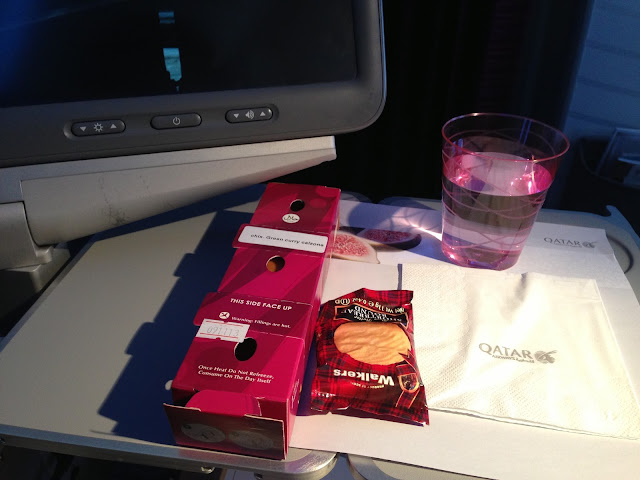 Qatar-airways-flightmeal-qr834