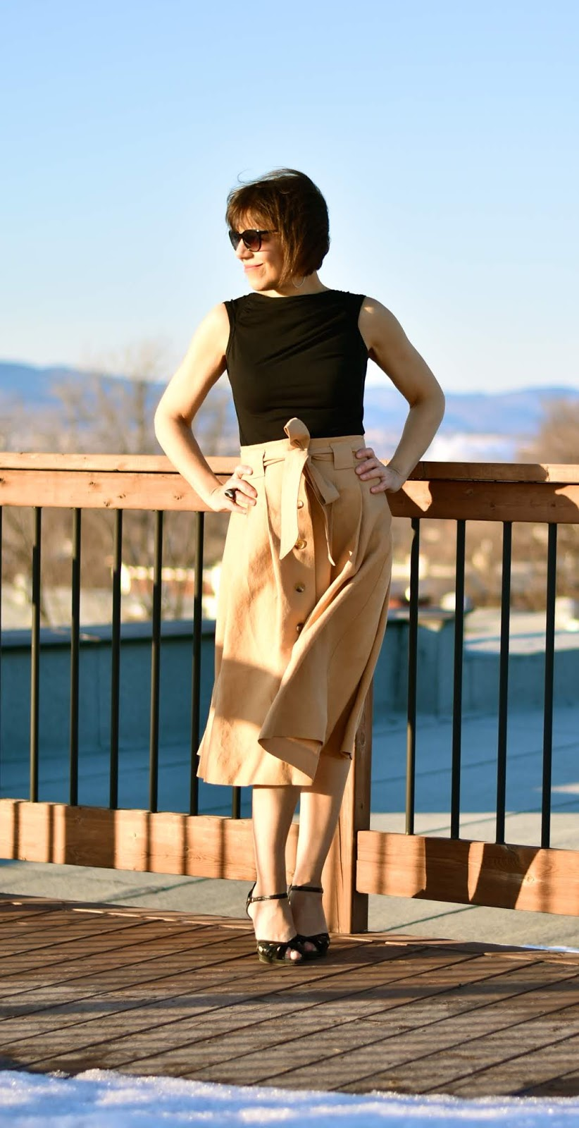 McCallu0027s 7906 Sand Colour Linen Skirt / McCallu0027s 7906 Jupe En Lin Couleur  Sable