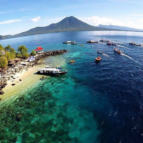 Tinuku Travel Jailolo Bay Festival annual event folk cultural in West Halmahera bay as historical origins spices world