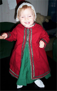http://evashistoricalcostumes.blogspot.com/p/16th-century-outfit-for-one-year-old.html