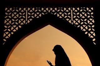 Kumpulan Amalan Untuk Ibu Hamil Menurut Islam Lengkap