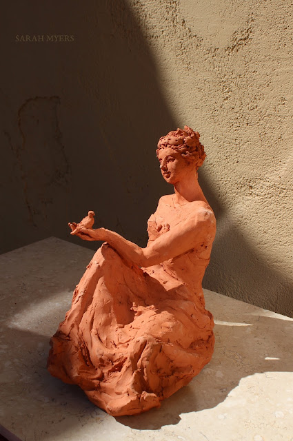 woman, sculpture, art, bird, escultura, arte, terracotta, sarah, myers, red, clay, earthenware, sitting, seated, small, tanagra, classical, contemporary, kunst, skulptur, quick, lady, finch, graceful, left, side