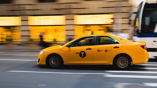 إعلان عن توظيف سائق سيارة في شركة طاكسي الباي