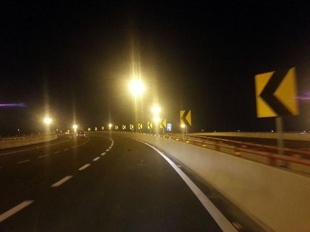 highway_robbery_1524912714_725x725.jpg