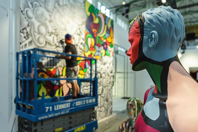 Artist Ben Heine at Street Art show Magic City (2016) - Drawing and Painting - #magiccitylife Dresden