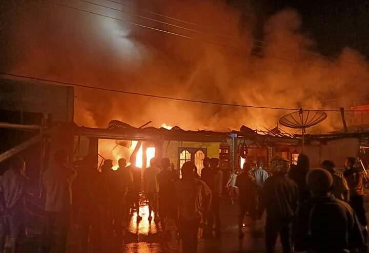 Rumah Milik Pensiunan PNS Di Kota Sungaipenuh Ludes Terbakar
