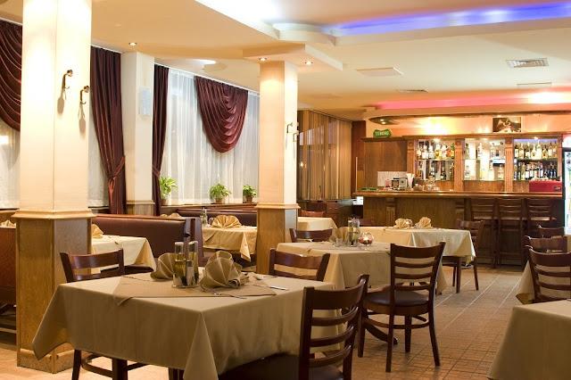 "ресторанта на  хотел ""Авеню"" в Бургас"