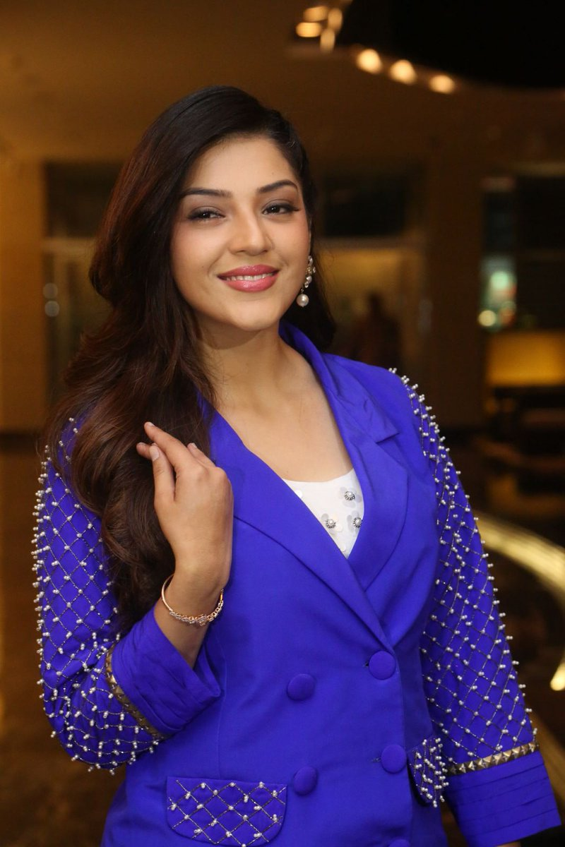 Actress MehreenKaur Latest HD Images