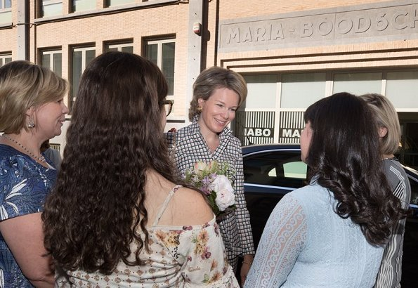 Queen Mathilde of Belgium visited the Maria Boodschap Lyceum, a catholic school for secondary education in Brussels for program Conflixers