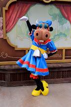 Pupepepets Wears Clarabelle Winnie
