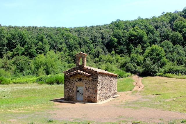 Ermita de Santa Margarida en el volcán