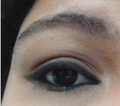 Lápis para Olhos, levemente esfumado. - Paleta Eyes Design Smoked Luisance - Swatches Sem Flash
