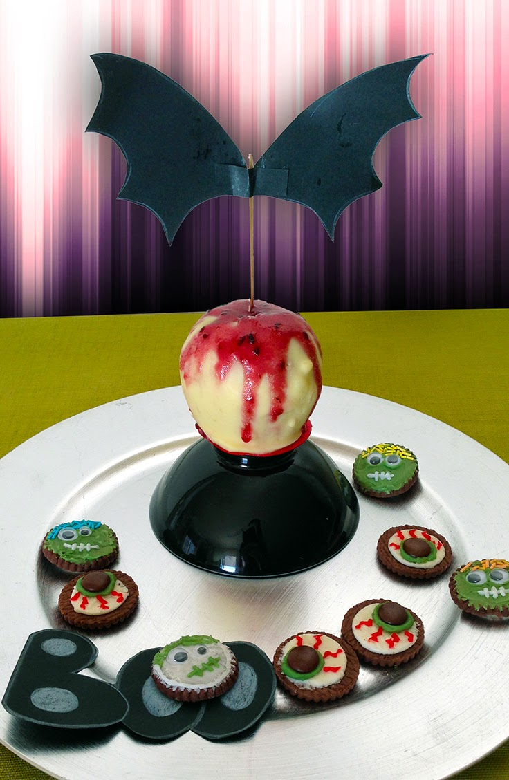 Bloody White Chocolate Coated Apple and Decorated Oreo Cookies