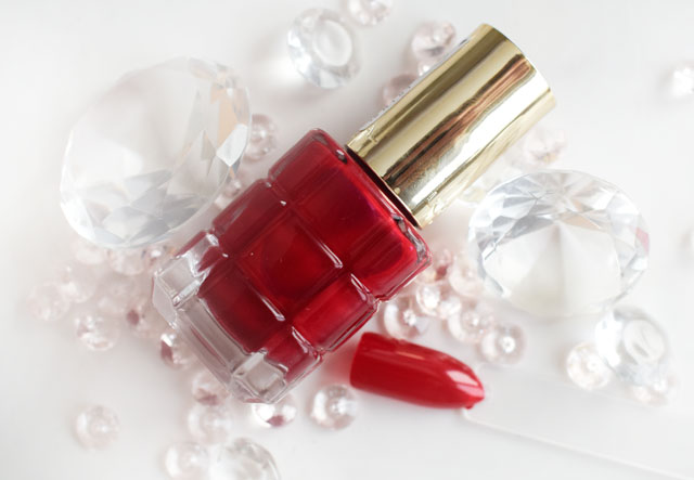 L'Oréal Color Riche Le Vernis Öl-Nagellack 554 Carmin Parisien
