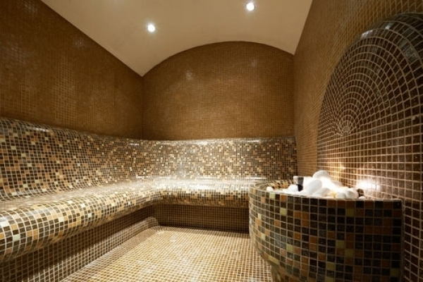 Il bagno turco e il tradizionale progetto hammam u wellness creation