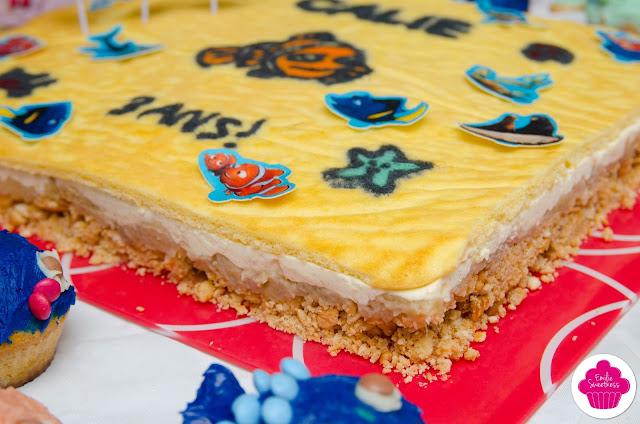 Entremets vanille, pommes caramélisées sur base biscuitée et génoise décorée - thème Poisson