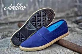 Model Sepatu Ardiles casual Warna Hitam