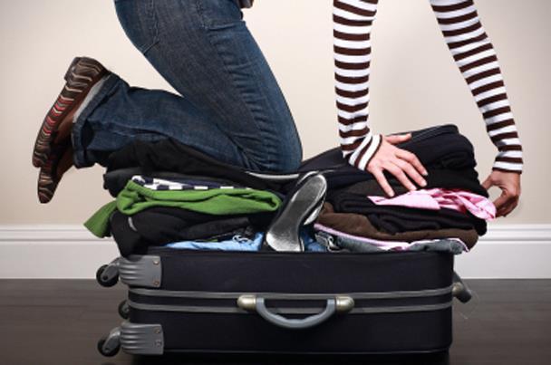 قبل السفر .. تعرفي على فوائد اصطحاب شنطة سفر واحدة