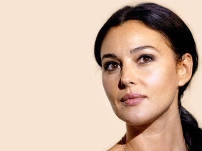 Monica Bellucci Normal Resolution HD Wallpaper 10