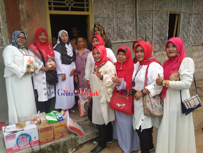 Serahkan Bantuan Untuk Watemi, LTB  Berharap Permkab Lamteng Tidak Hanya Diam