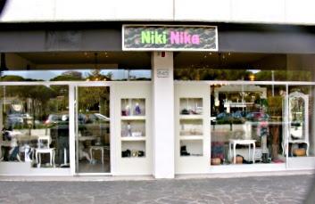 un miliardo battaglia col tempo  Le Signorine di Via Barberini: Niki Nika ,ovvero il Paese dei Balocchi