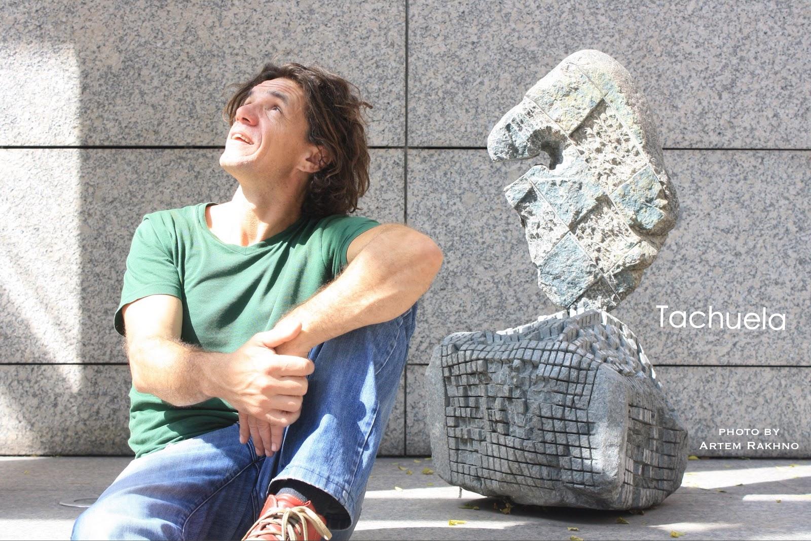 Скульптор Тачуэла.