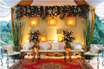 21 model dekorasi pernikahan bergaya klasik mewah