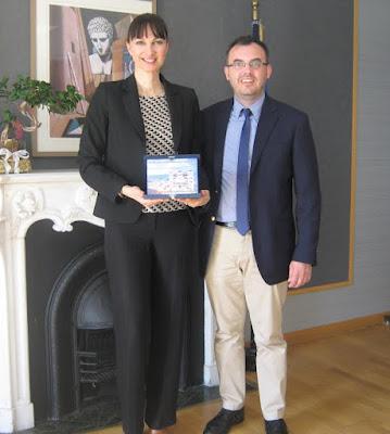 Συνάντηση της Αν. Υπουργού Τουρισμού κας Έλενας Κουντουρά με τον Πρόεδρο της  Ένωσης Ξενοδόχων Παραλίας  για την τουριστική ανάπτυξη της περιοχής