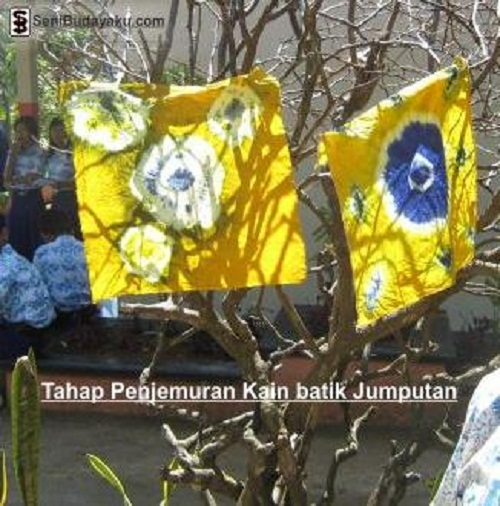 menjemur-kain-batik-jumputan