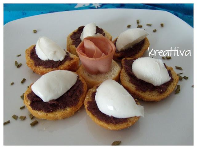 fiore con crostini e patè d'oliva