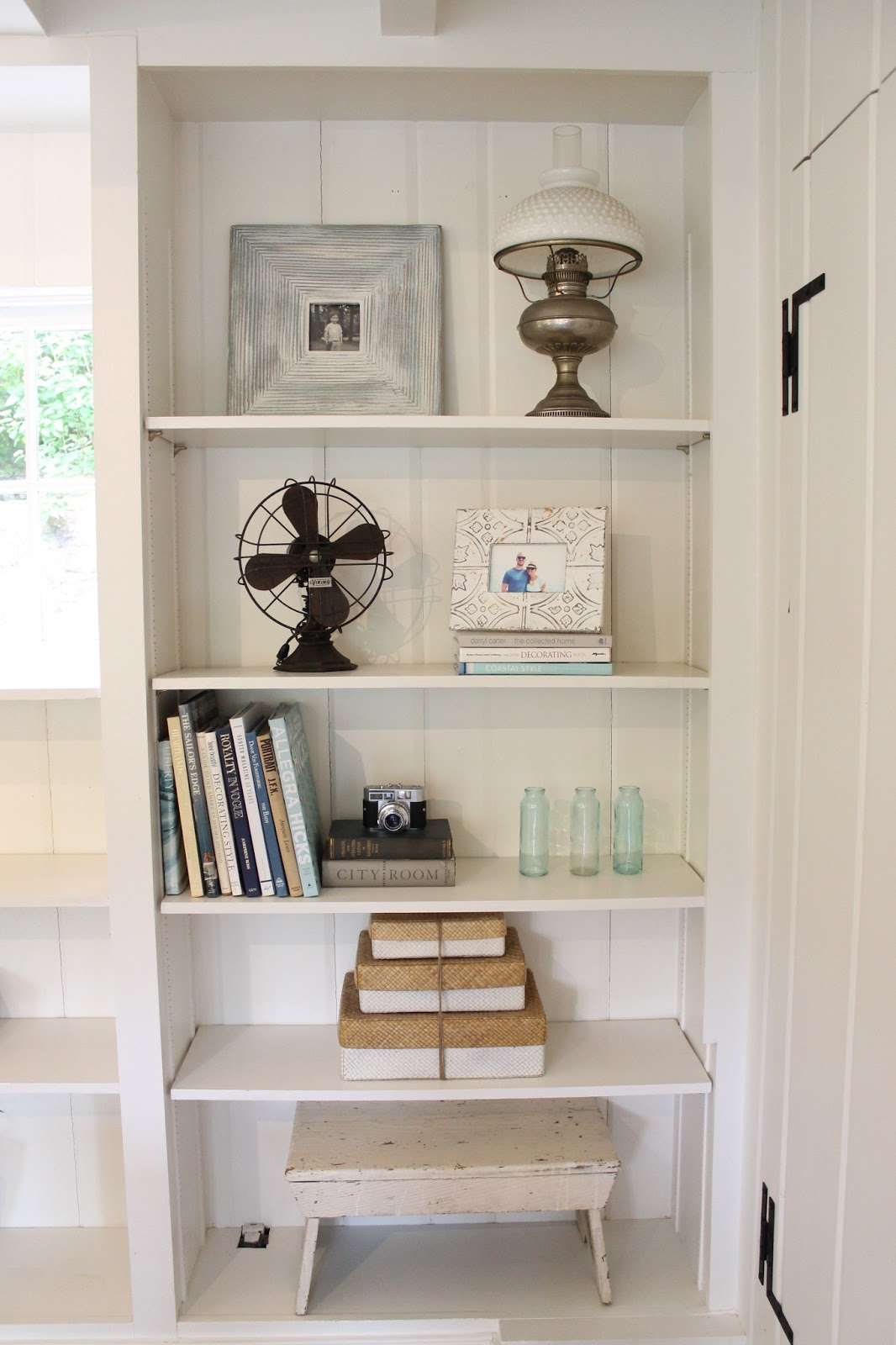 The picket fence projects styling the living room built ins - Living room built ins ...