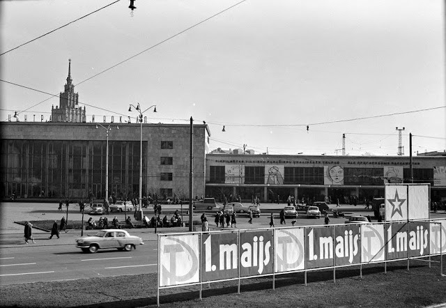 1960-е годы. Центральный рижский ж/д вокзал после окончания реконструкции (источник фото: Latvijas Valsts kinofotofonodokumentu arhīvs)...