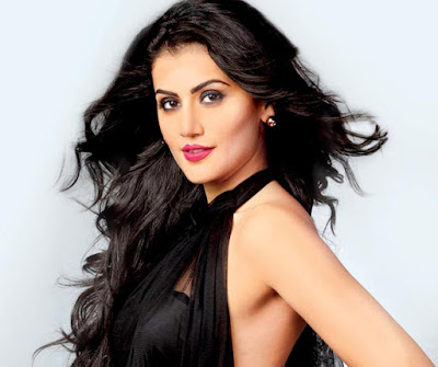 Women-should-openly-talk-about-periods-Tapsee-Andhra-Talkies