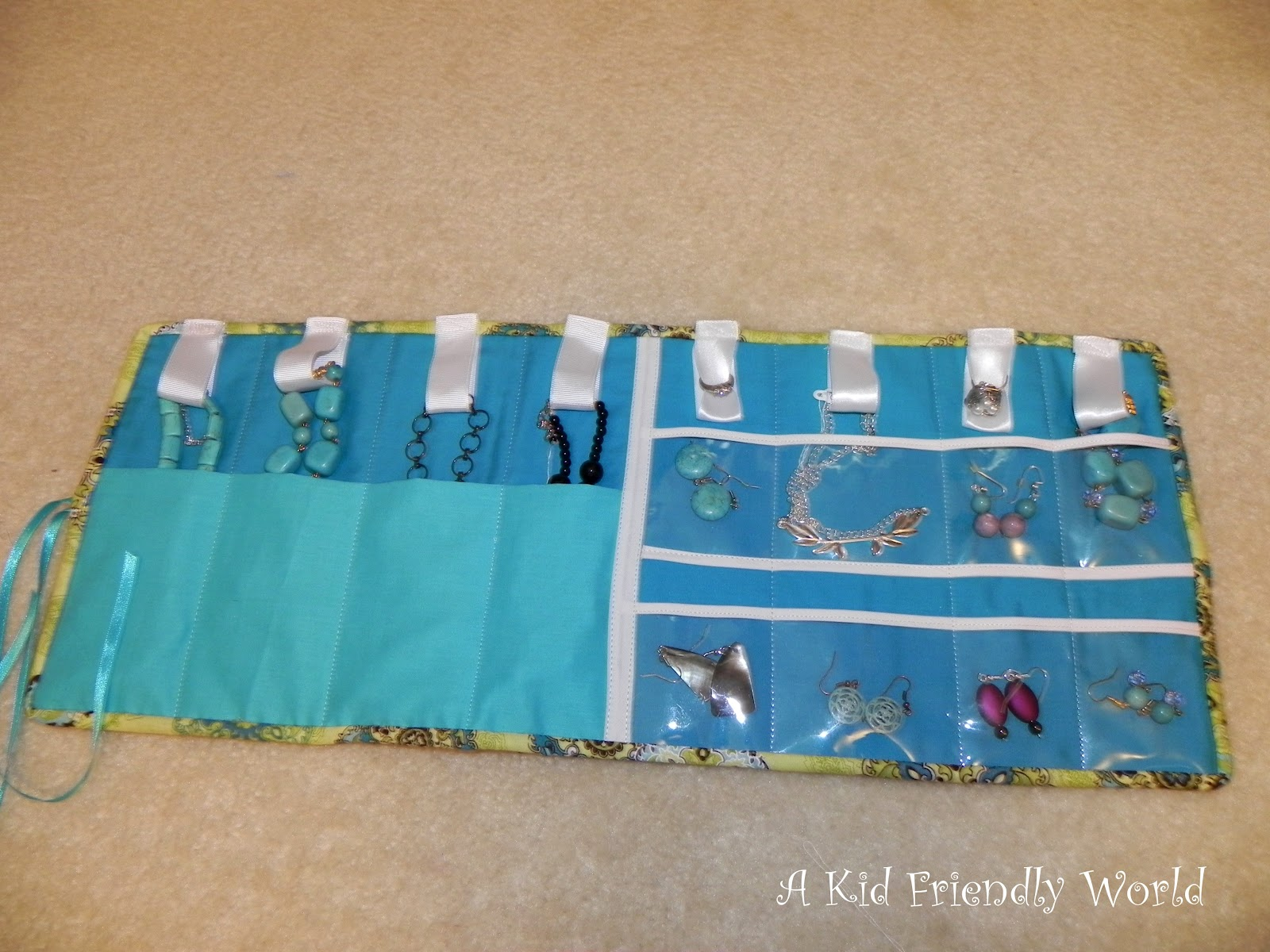 A Kid Friendly World: Travel Jewelry Holder Tutorial